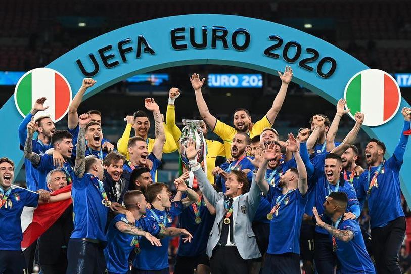 Italia campione d'Europa: batte l'Inghilterra ai rigori