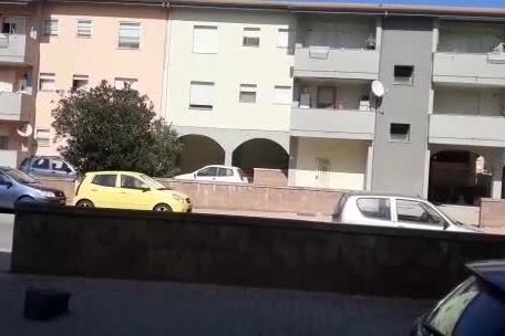 Porto Torres, decine di famiglie convivono da mesi con una discarica abusiva