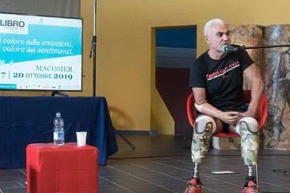 """Macomer, il messaggio dell'ultramaratoneta Roberto Zanda ai bimbi: """"Credete in voi stessi"""""""
