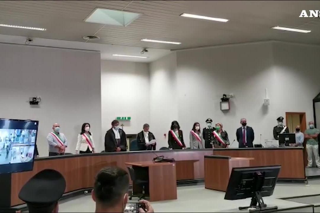 Trattativa Stato-mafia, Dell'Utri e Mori assolti in Appello