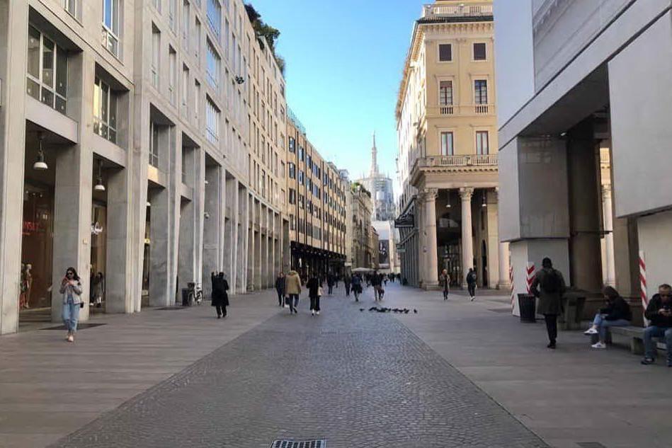 Coronavirus, Milano si risveglia. Ma i turisti sono ancora pochi