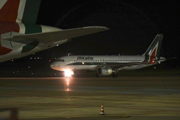 """""""L'addio ad Alitalia, con molte nubi nel cielo di noi sardi"""""""