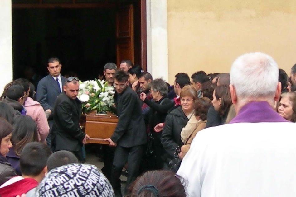 """""""Chi ha ucciso Giancarmine?"""", la famiglia chiede la riapertura delle indagini"""