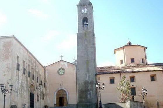 La basilica di Santa Maria dei Martiri a Fonni (foto da wikimedia)