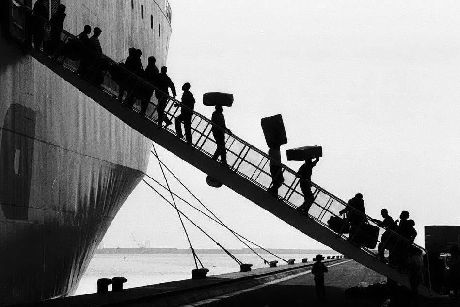 La Regione Sardegna è stata la prima a pensare a una legislazione ad hoc sull'emigrazione