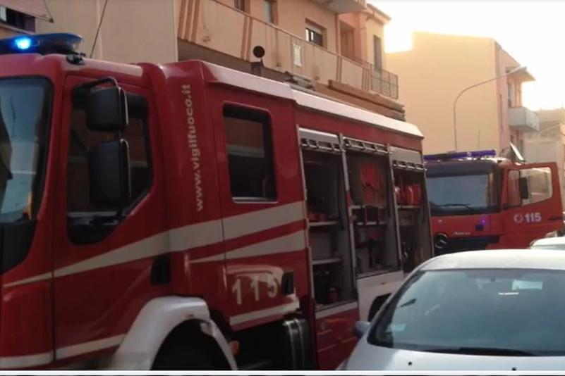 Colto da malore e bloccato in auto: momenti di paura a Porto Torres