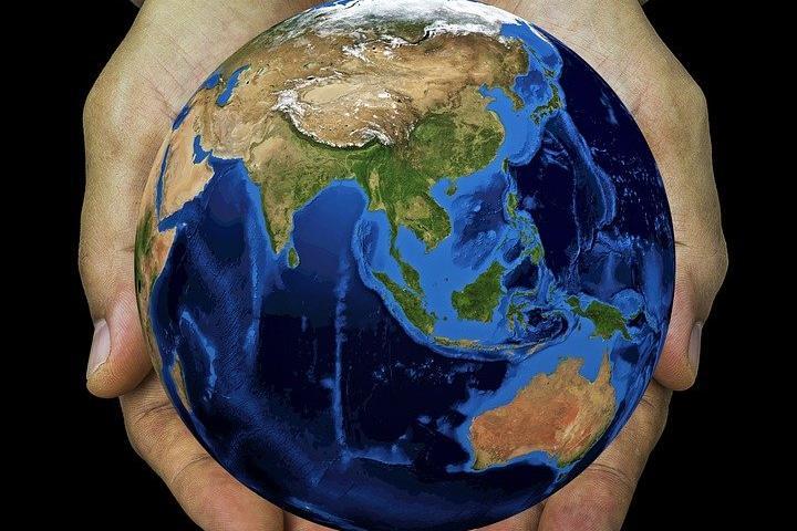Alleiamoci con la Terra: un atlante per affrontare le sfide ambientali del presente