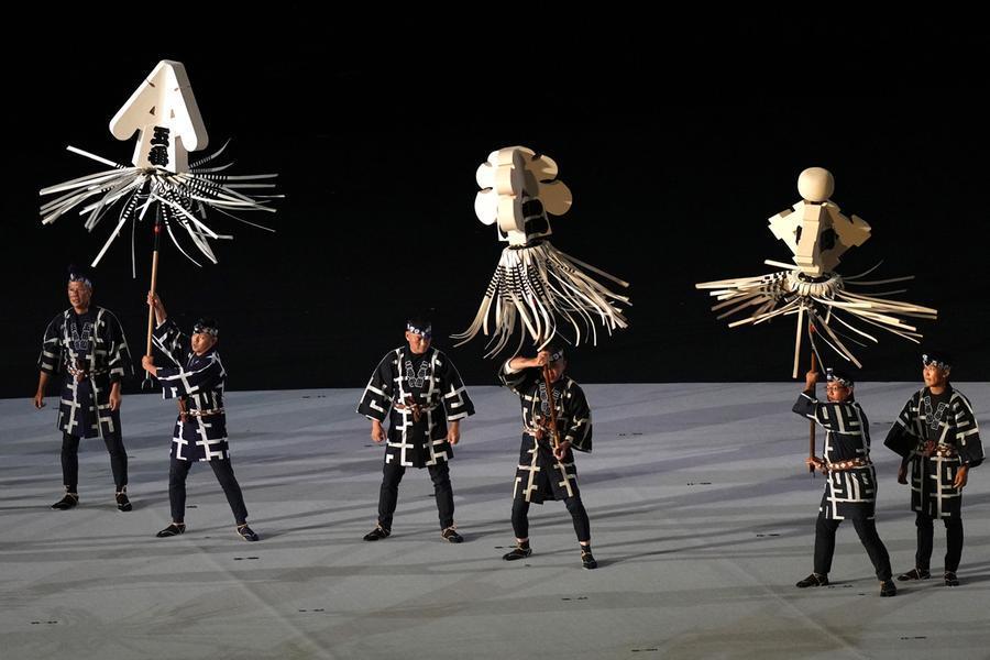 Un'altra performance di ballerini