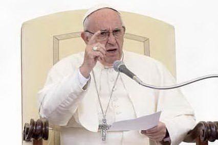 """Sea Watch, l'appello del Papa: """"I leader europei mostrino solidarietà"""""""