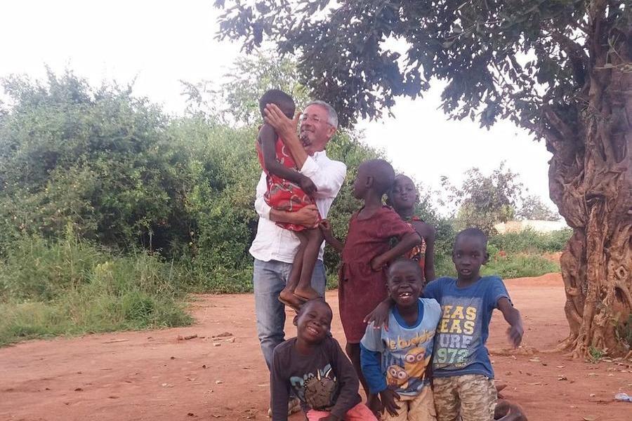 Il cuore di Gianni Franceschi batteforte per i bambini dell'Uganda