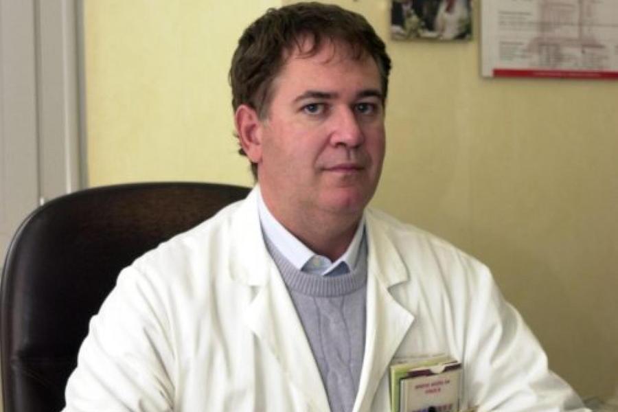 Pierluigi Garavelli, primario di Malattie infettive all'ospedale di Novara (foto Facebook)