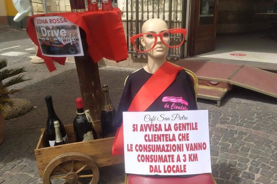 """""""Andate a consumare a 3 km di distanza"""": il cartello provocatorio di un bar di Ploaghe"""