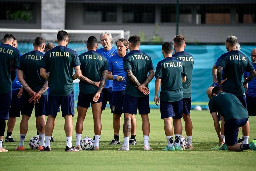 Alle 18 Italia-Galles, basta un pari per il primo posto nel girone. Un po' di turnover per Mancini