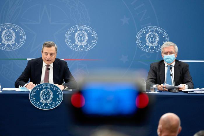 """Ok alla riforma del Fisco, ma la Lega diserta il Cdm. Draghi: """"Salvini spiegherà"""""""