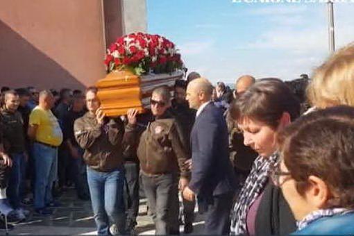 Ruinas, folla ai funerali degli allevatori uccisi