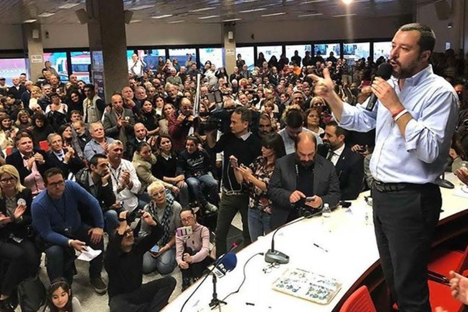"""Tortolì, cantano """"Bella Ciao"""" al comizio di Salvini: identificate"""
