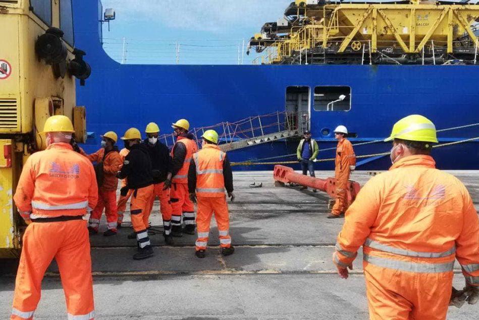 Porto industriale di Oristano, incidente durante il carico del convoglio ferroviario diretto in Egitto
