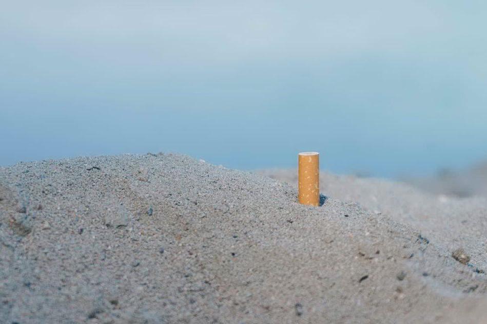 Castiadas, la sigaretta in spiaggia costa 200 euro