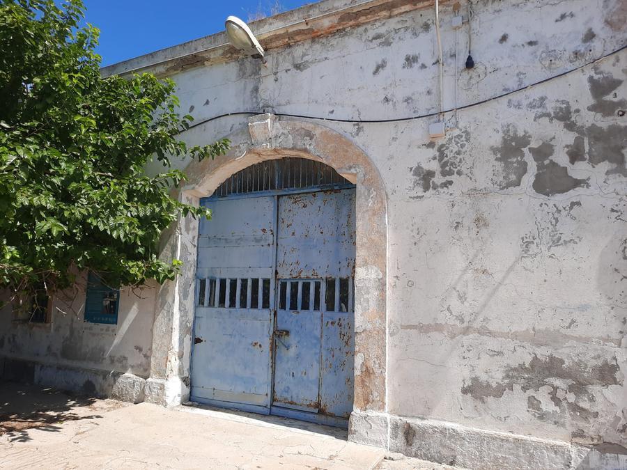 L'ingresso del carcere di Fornelli (foto m. v.)