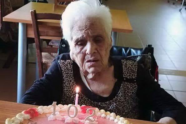 Gonnosnò in festa per i 102 anni di Zia Clelia