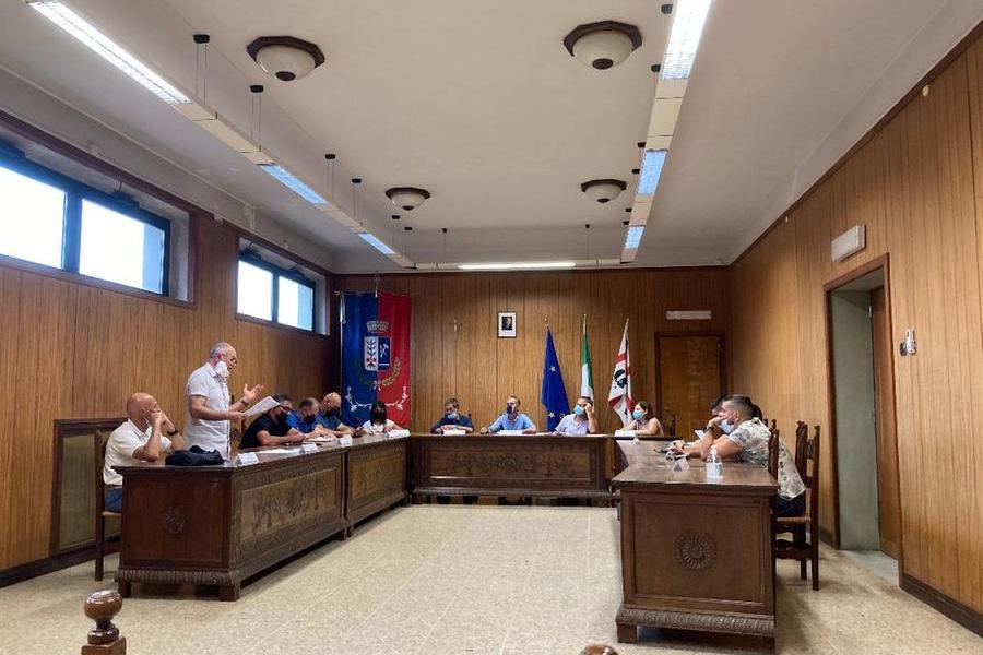 Una riunione del Consiglio comunale (foto Orbana)