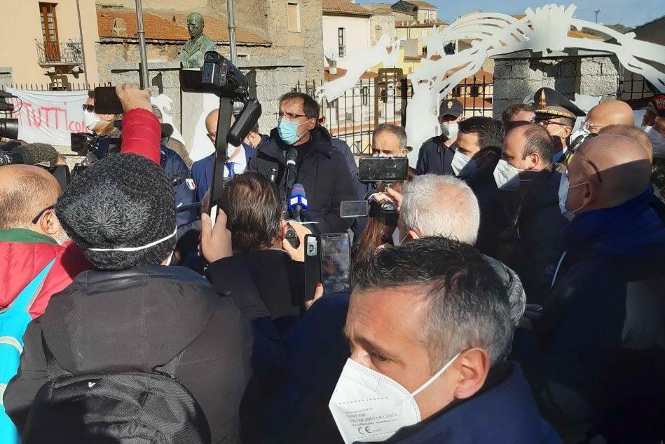 Il ministro Francesco Boccia a Bitti (foto Forestas)