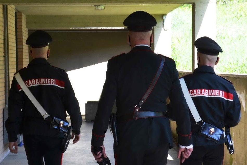 Minaccia l'inquilino con una pistola: nei guai a Cagliari un imprenditore