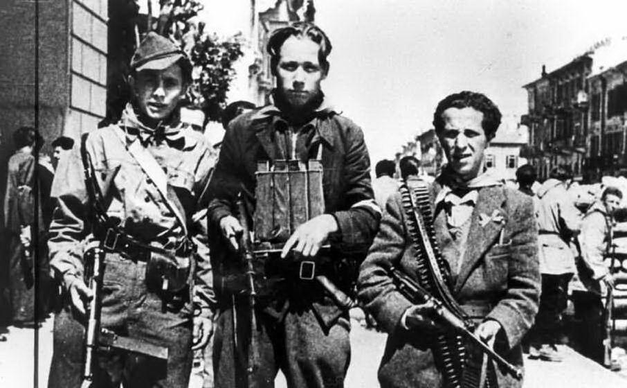 La città insorge dopo il proclama del Comitato di liberazione nazionale Alta Italia
