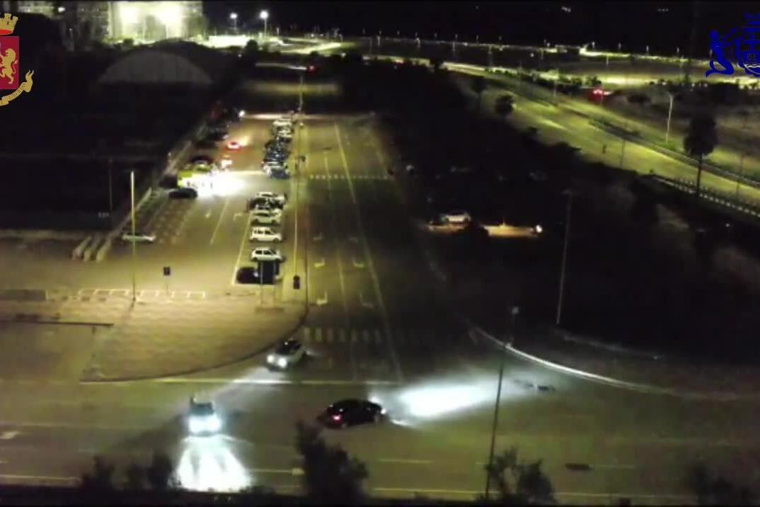 Cagliari, vigili e polizia interrompono la corsa clandestina