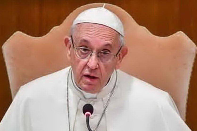 Tre vittime di un prete pedofilo citano in giudizio Papa Francesco