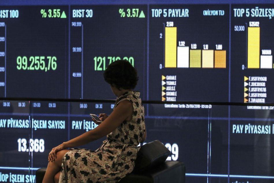 Borsa, europee chiudono in positivo: Milano +0,51%