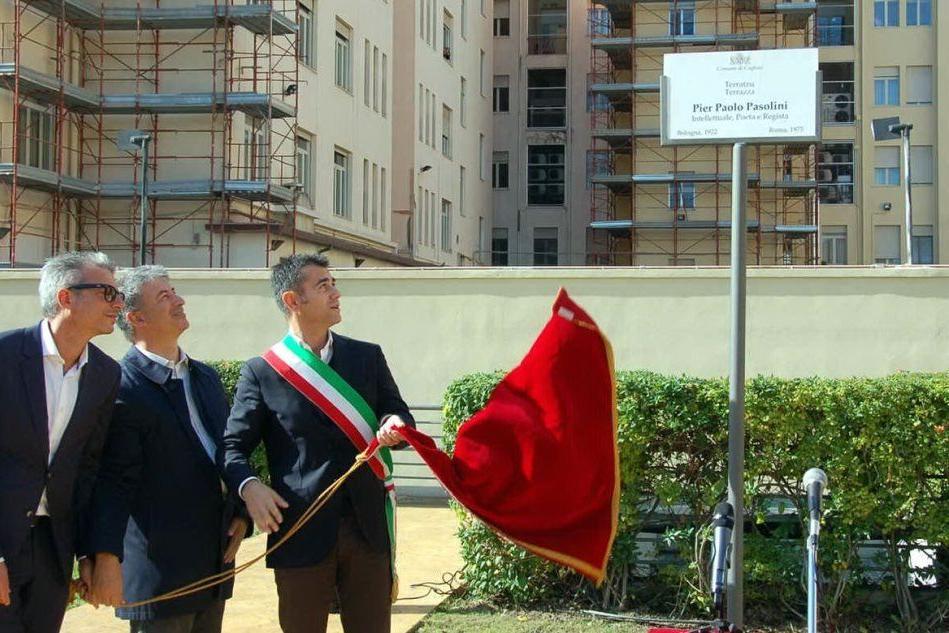 Cagliari, la terrazza sul parcheggio di via Manzoni intitolata a Pasolini