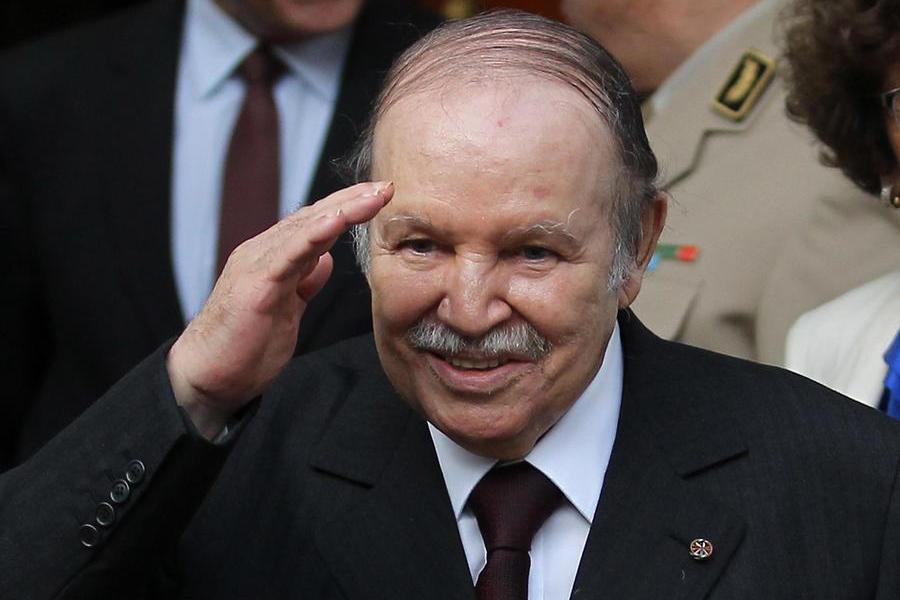 Morto a 84 anni l'ex presidente Bouteflika