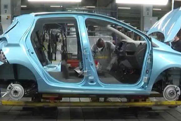 Boom di auto elettriche e ibride (grazie agli incentivi)