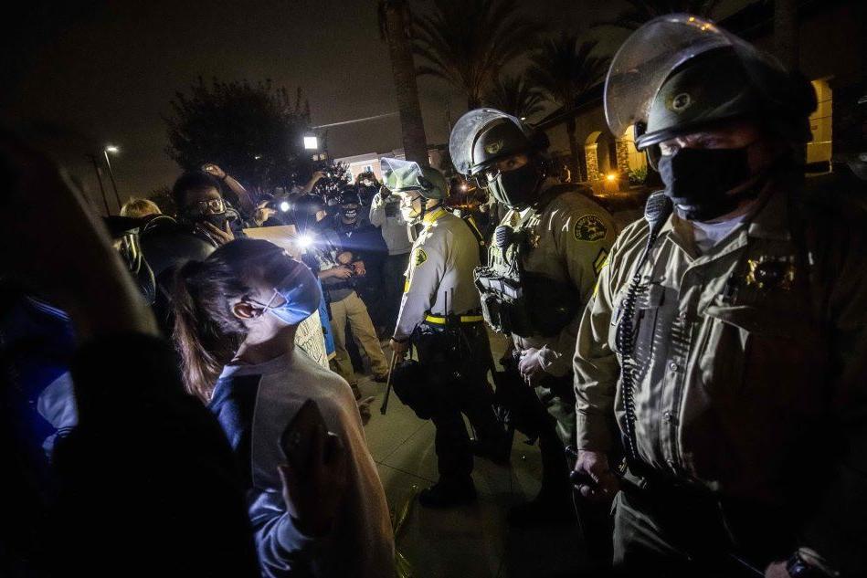 Afroamericano ucciso dalla Polizia a Los Angeles, monta la protesta