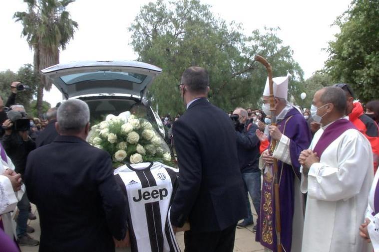 I funerali di Mirko Farci (Archivio L'Unione Sarda)
