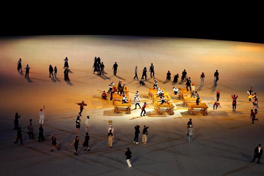 Una performance di ballerini
