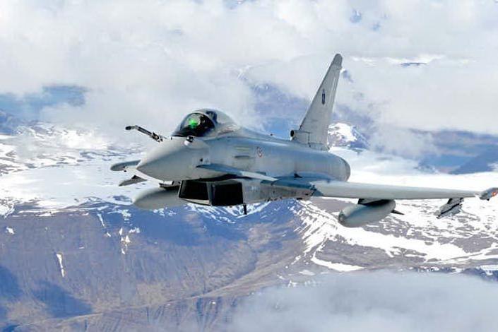 Comunicazioni interrotte per il velivolo sulla tratta Mosca-Olbia, i caccia dell'Aeronautica in azione