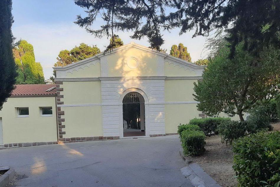 Villanova Monteleone, il cimitero si presenta dopo i restauri