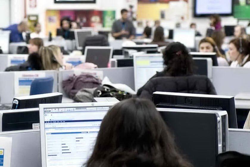 Call center, selezione per operatori telefonici a Cagliari