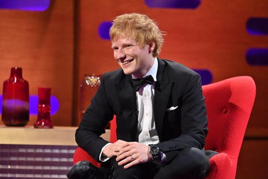 """Ed Sheeran positivo al Covid: """"Sto male, non posso esibirmidal vivo"""""""