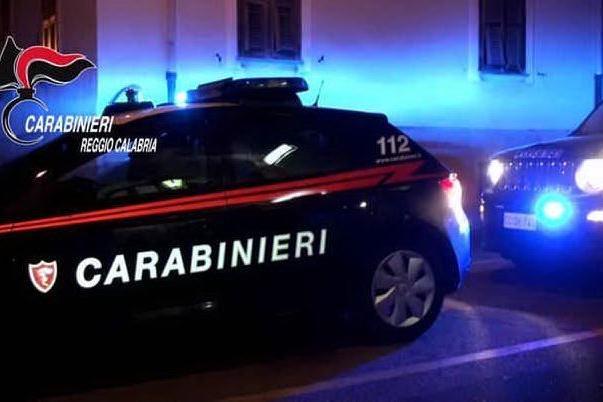 Marito e moglie uccisi a fucilate mentre raccolgono le olive