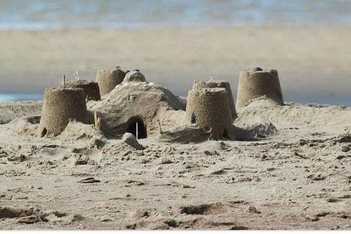 Castelli di sabbia addio, l'ordinanza che fa discutere