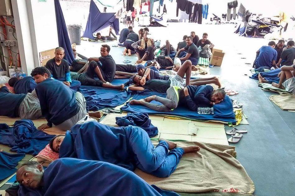"""Migranti in Italia, """"sono meno di quel che si pensi"""". I dati del Dossier Statistico"""