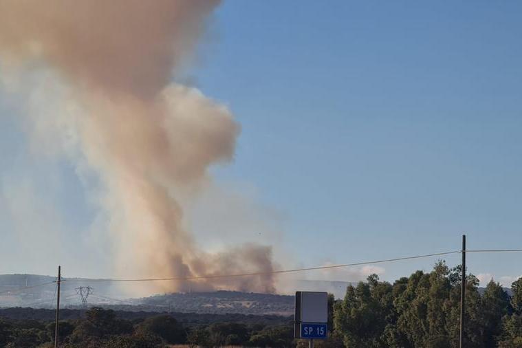 Il maxi incendio a Santu Lussurgiu, in fumo 200 ettari di bosco