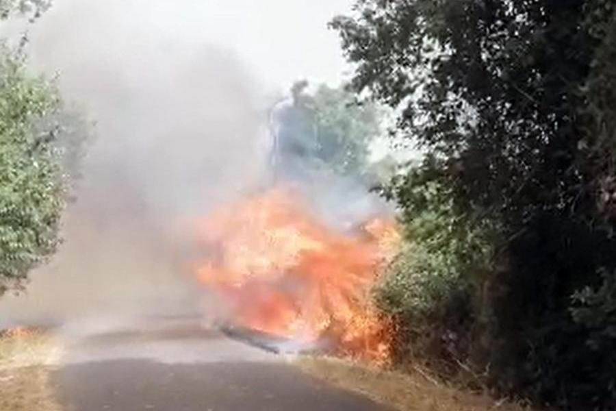 Un'immagine del terribile rogo ad Abbasanta (foto Ansa)