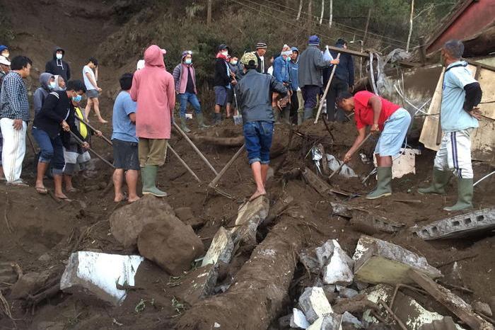 Terremoto di magnitudo 4.8 a Bali, vittime e feriti