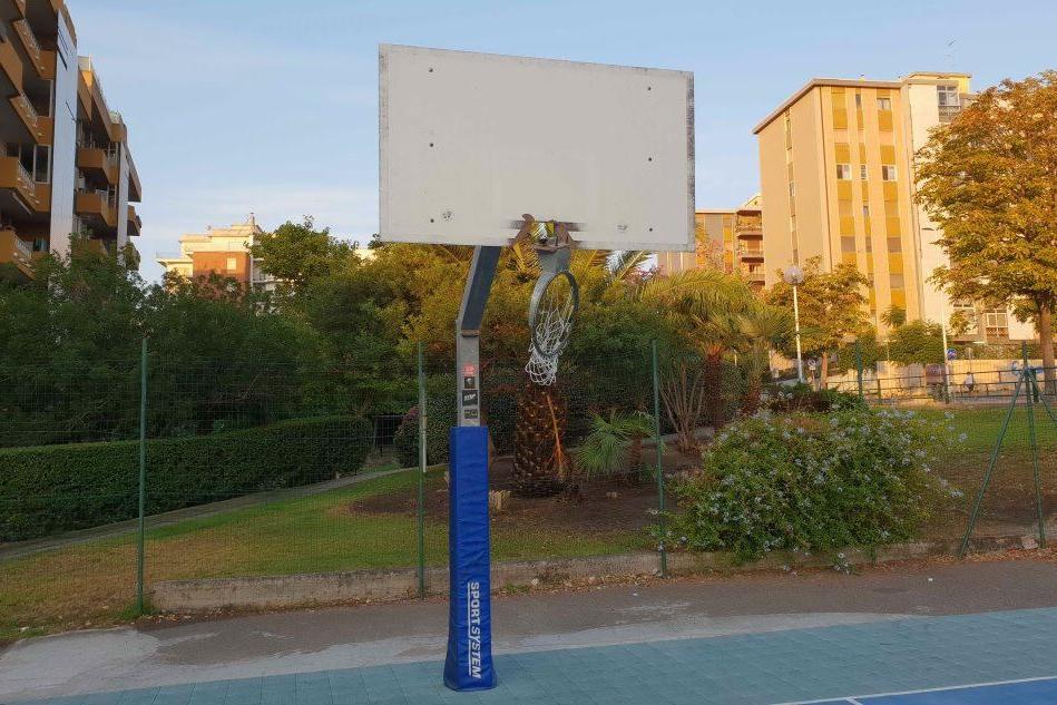 Cagliari, danneggiato il playground di via Castiglione
