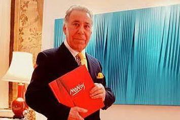 Pino Manos sempre più su: l'arte del sassarese alla Opera Gallery di Londra