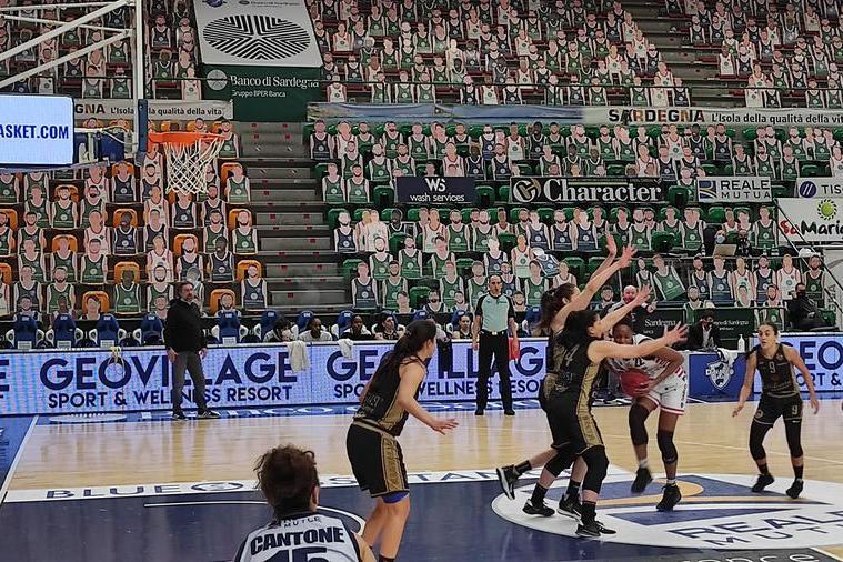 Le ragazze della Dinamo iniziano la stagione in casa contro il Costa Masnaga